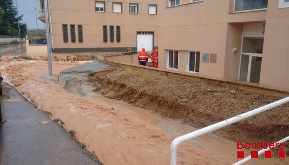 Imatge de com ha afectat la pluja a la residència i els accessos.