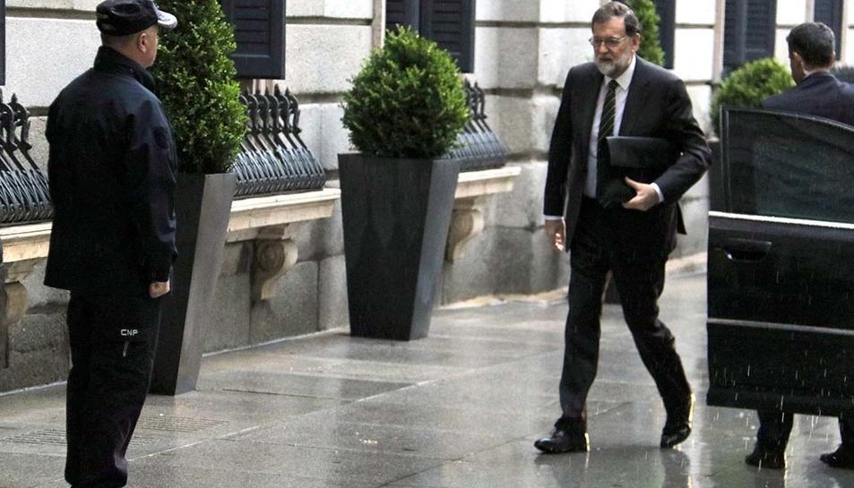 El president del Govern espanyol, Mariano Rajoy, arribant al Congrés dels Diputats.