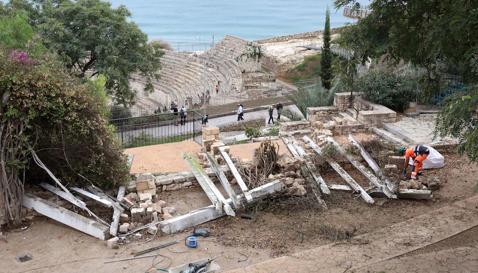 Alguns dels desperfectes causats pel temporal a Tarragona.