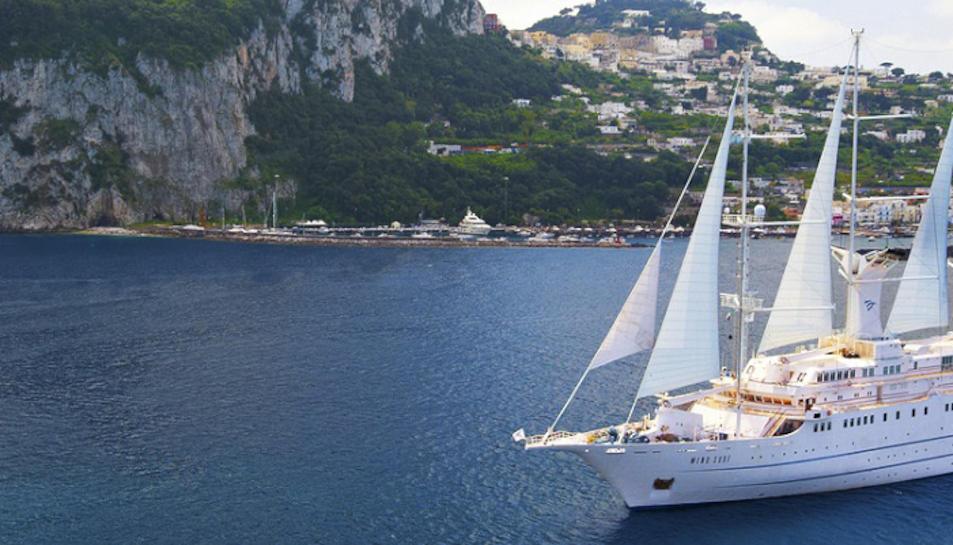 El creuer Wind Surf, de la companyia Windstar Cruises.