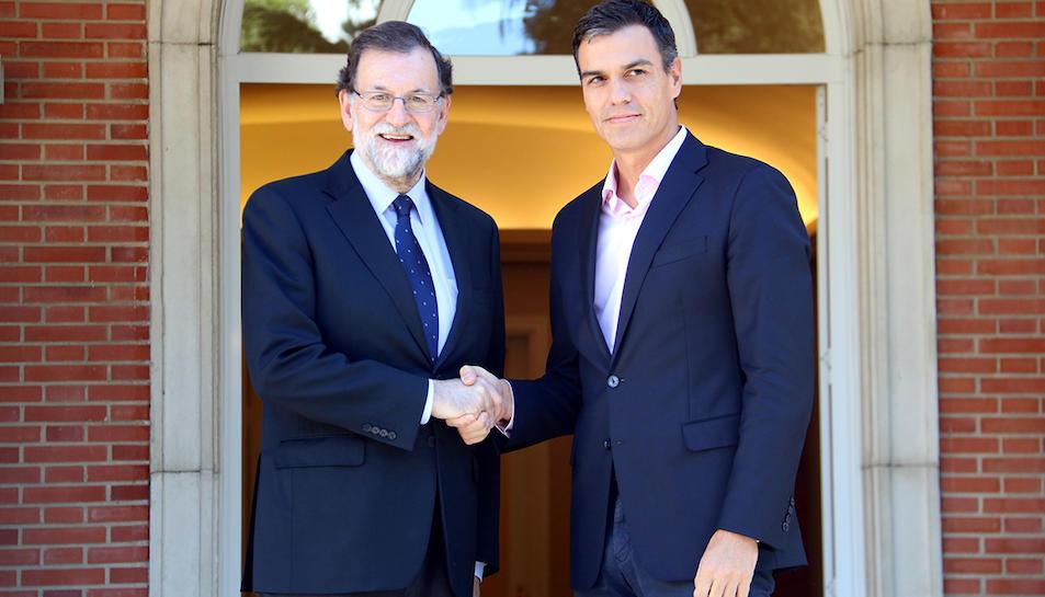 Imatge d'arxiu del president espanyol, Mariano Rajoy i el lider del PSOE, Pedro Sánchez.