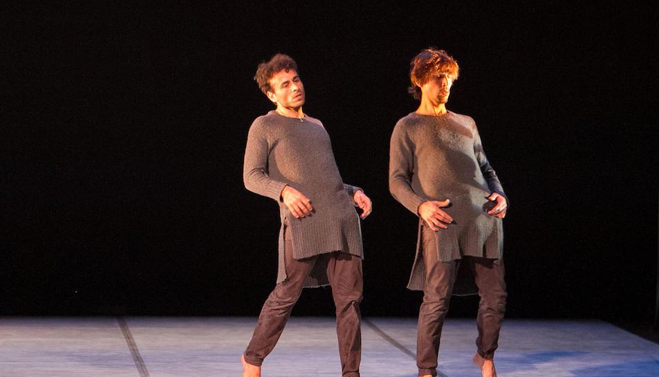 Un instant de l'espectacle 'Shy Blue', de la Cía. Elías Aguirre, que es va poder veure al Teatre Bartrina.