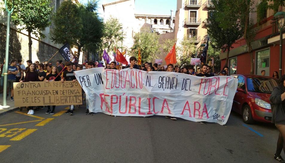 Manifestació dels estudiants de la URV de Tarragona aquest 26 d'octubre.