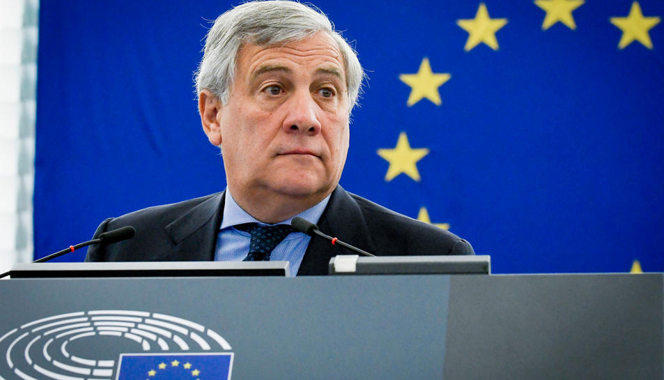 El president del Parlament Europeu, Antonio Tajani, durant la sessió plenària d'Estrasburg el 4 d'octubre.