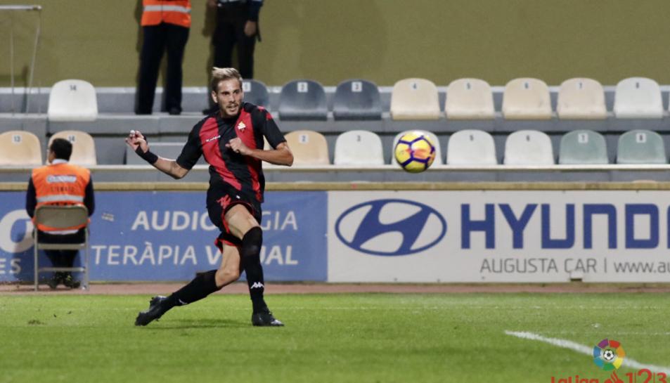 Querol, autor d'un gol, es convertia en un dels millors del partit.
