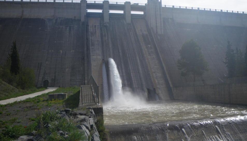 Imatge general de la presa de Siurana.