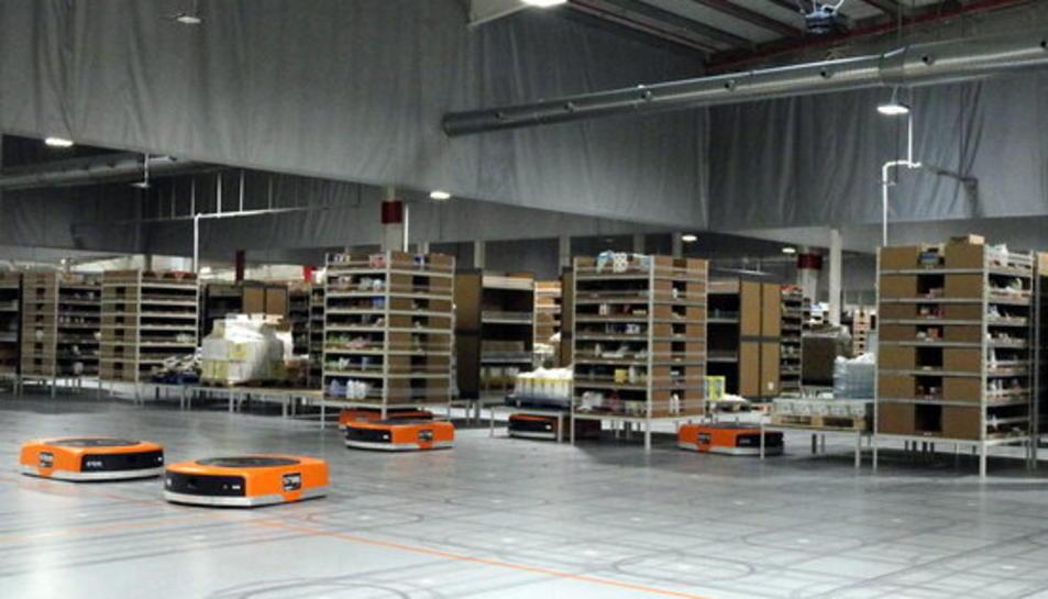 Imatge del magatzem del centre d'Amazon a Castellbisbal.