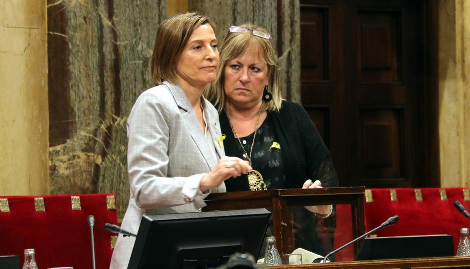 La presidenta del Parlament, Carme Forcadell, després de votar al Parlament, el passat 27 d'octubre.