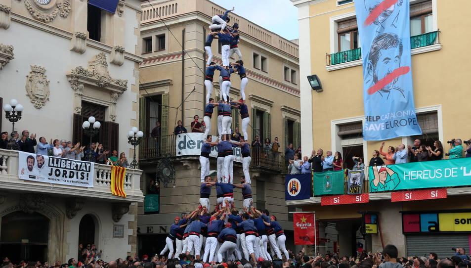 5de9 dels Capgrossos de Mataró a la diada de Tots Sants.
