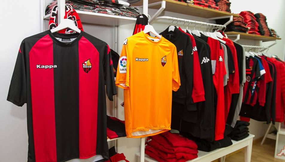 L'esperada samarreta del Reus es posa a la venda sense patrocinador