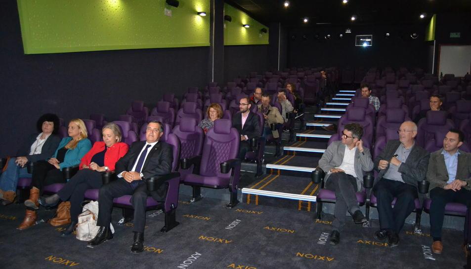 Imatge dels regidors a les butaques dels nous cinemes Axion de La Fira.