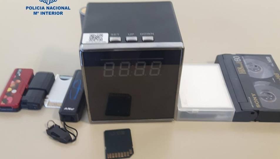 La Policia ha intervingut aparells de gravació i emmagatzematge.