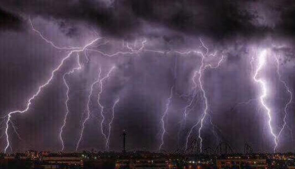 La forta tempesta elèctrica sobre el Camp de Tarragona