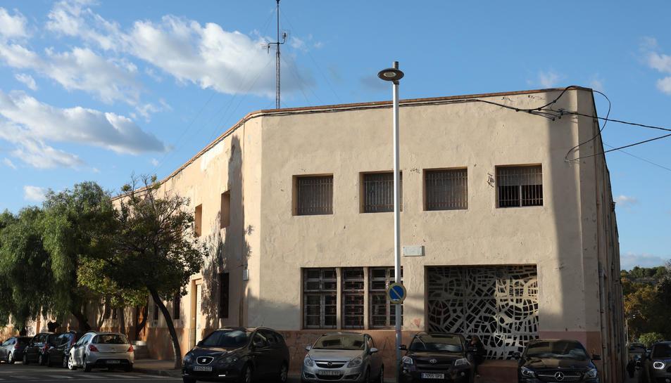 Imatge de l'antiga residència de menors Sant Josep, ubicada al carrer Pintor Ignasi Pallol.