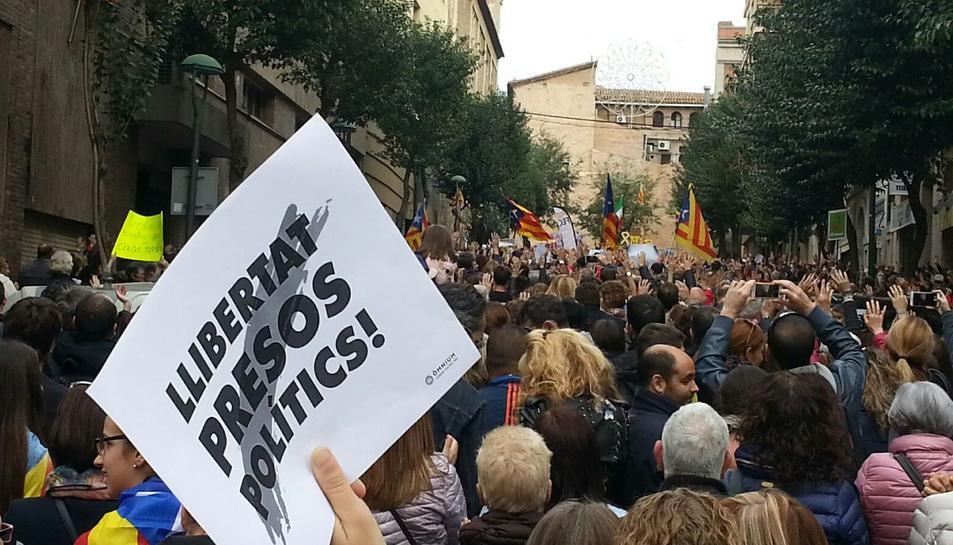A Tarragona els manifestants s'han concentrat al carrer Sant Francesc.