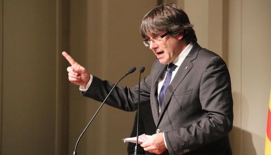 Imatge de Puigdemont durant el seu discurs en l'acte a Brussel·les amb 200 alcaldes, el 7 de novembre.