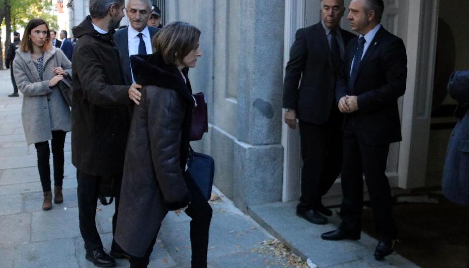 La presidenta del Parlament, Carme Forcadell, entrant a l'edifici del Tribunal Suprem, aquest 9 de novembre.