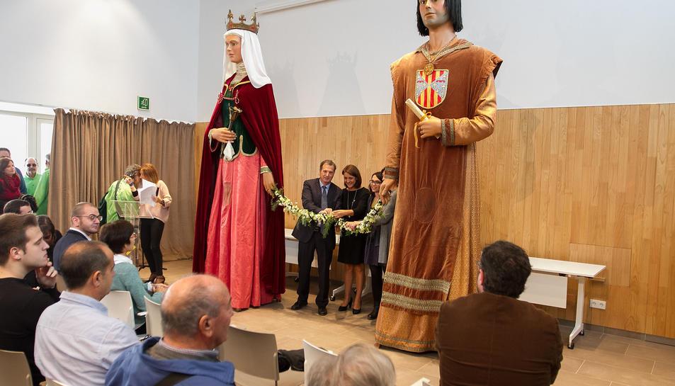 Imatge de l'acte d'inauguració de la Casa de Cultura Blanca d'Anjou.