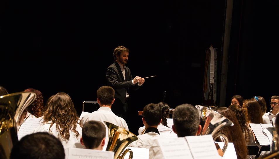 En el concert hi actuaran les quatre formacions musicals de l'entitat: la Banda Infantil, la BigBand BUMT, la Banda Juvenil i la Banda Simfònica.