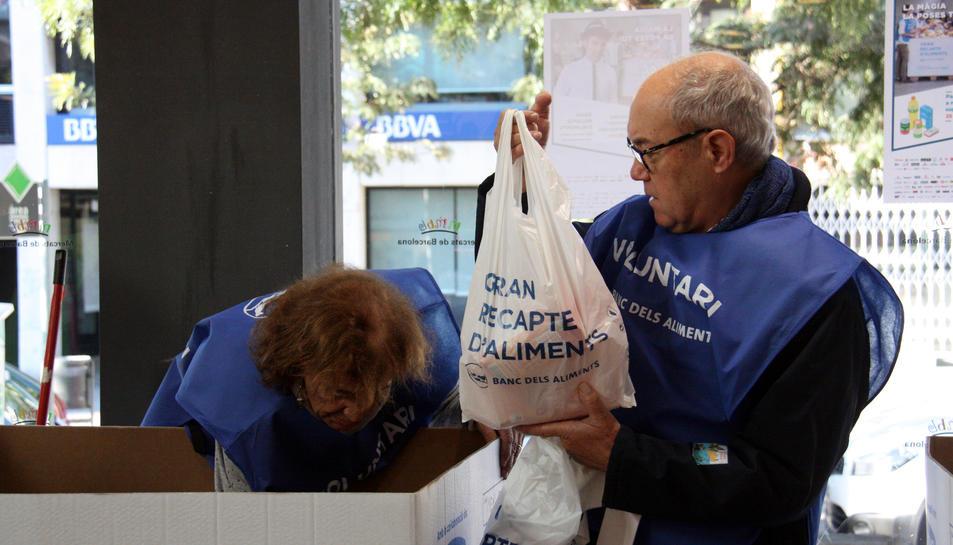 Imatge d'un voluntari del Gran Recapte de l'edició passada.
