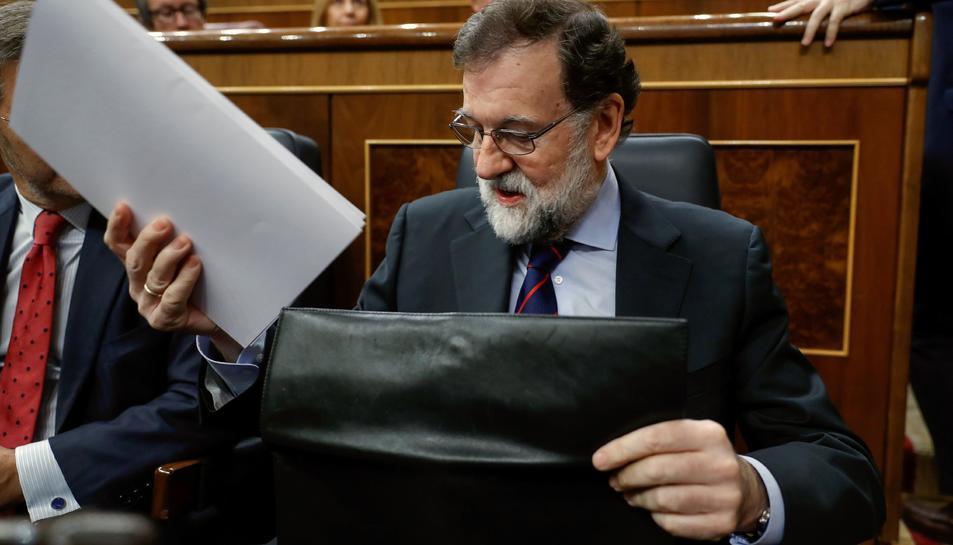 El president del Goven espanyol, Mariano Rajoy, en el seu escó del Congrés on avui se celebra la sessió de control al Govern.