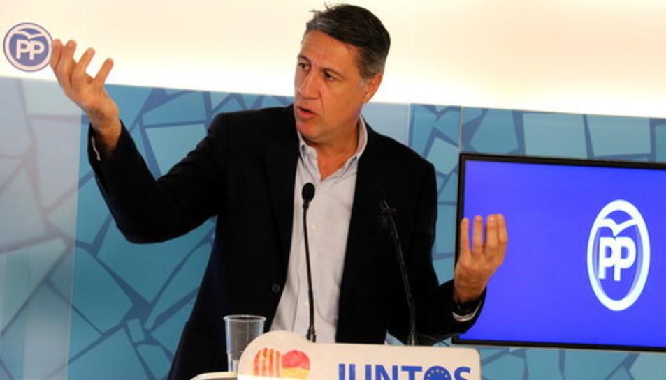 El president del PPC, Xavier García Albiol, gesticula amb les dues mans en roda de premsa el 20 de novembre del 2017