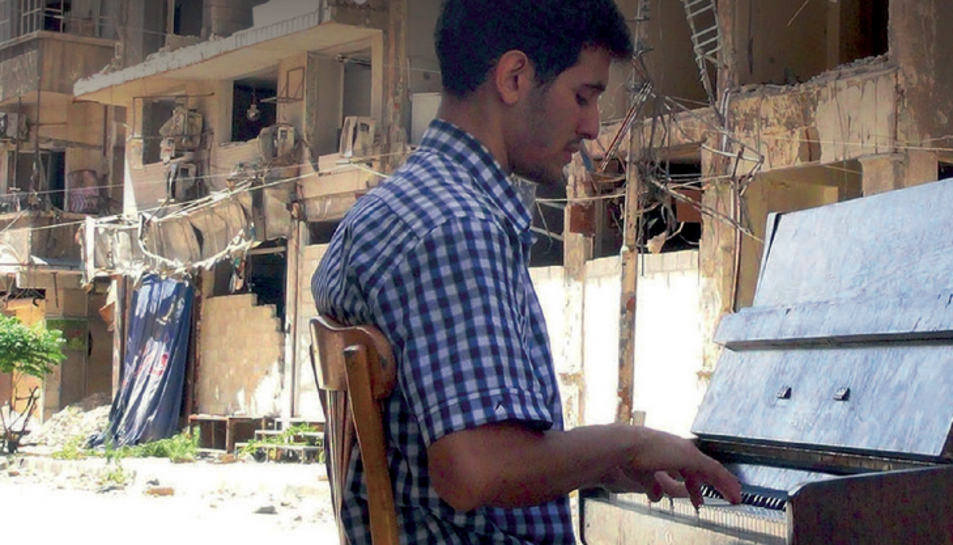 El pianista Aeham Ahmad, en una imatge d'arxiu.