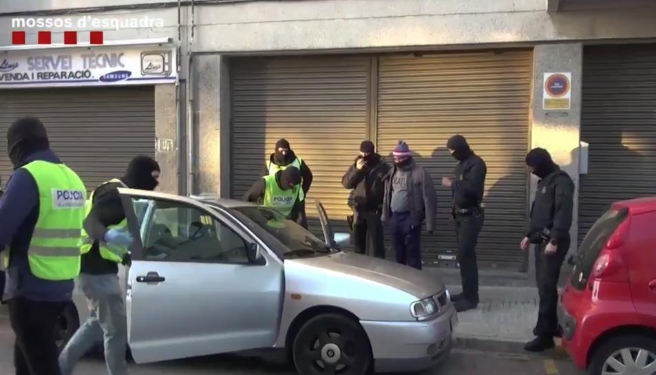 En l'operació policial es van detenir dues persones.