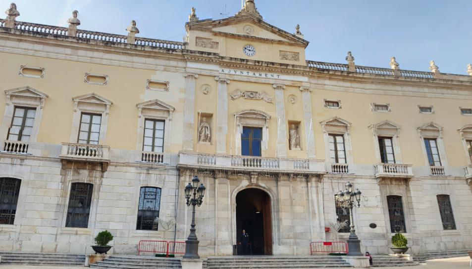 Imatge de la façana de l'Ajuntament de Tarragona.