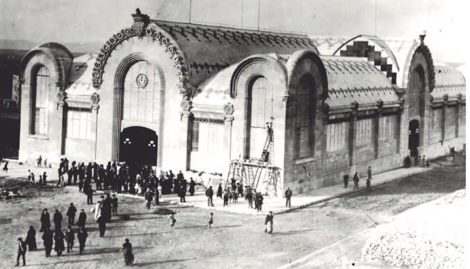 Imatge del Mercat Central de Tarragona l'any 1915, una de les obres emblemàtiques de Pujol de Barberà.
