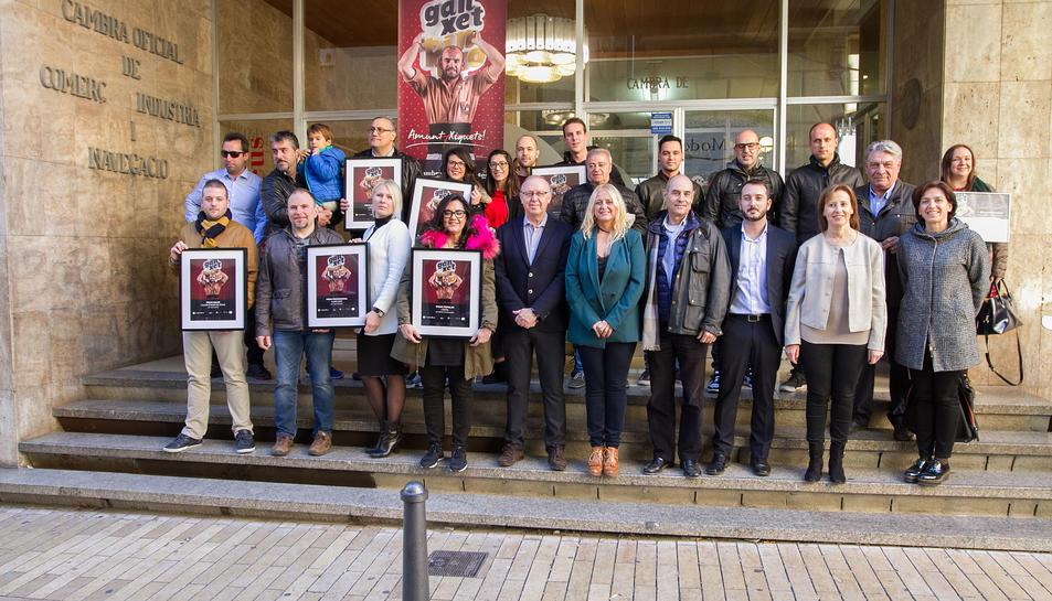 Imatge dels guanyadors de la Ganxet Pintxo Tardor davant de la Cambra de Comerç de Reus.