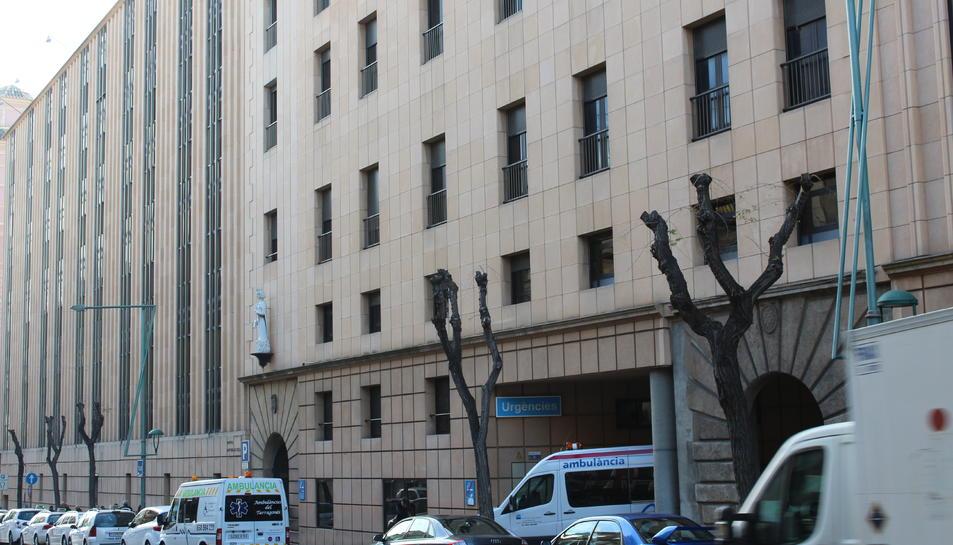 Imatge de l'exterior de l'Hospital Sant Pau i Sant Santa Tecla.