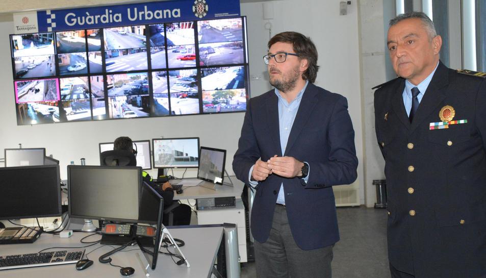 El tinent d'alcalde de Seguretat Ciutadana, Javier Villamayor durant la presentació de les càmeres de videovigilància.