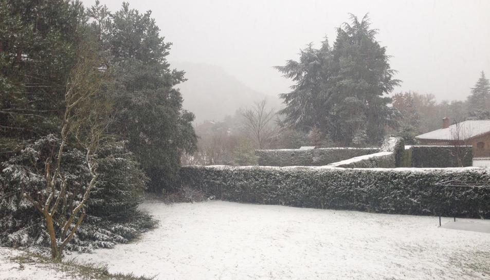 Imatges de la nevada a Prades i Vilanova de Prades