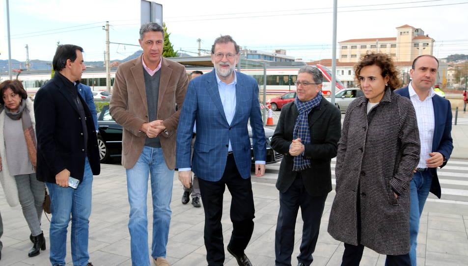 Rajoy acompanyat d'alguns membres del PP que han participat en un acte a Mataró.