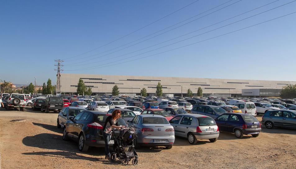 El solar, ubicat a l'avinguda Dr. Josep Laporte, funciona ara com a un aparcament no regulat.