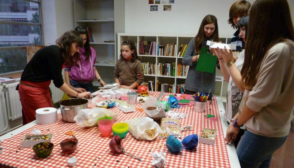 Imatge d'algunes de les activitats que es realitzen a l'edició 'Casal x Nadal'.