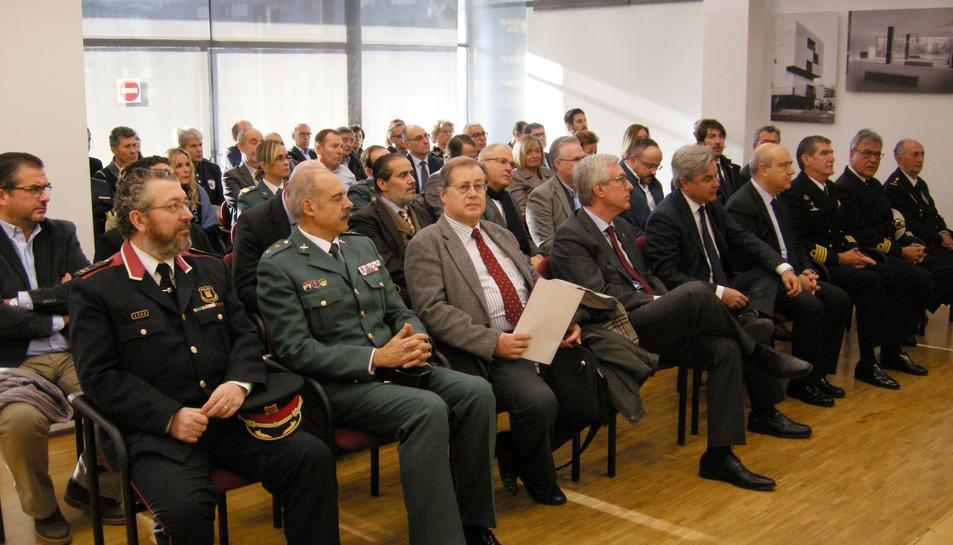 Públic assistent a l'acte de commemoració de la Constitució a Tarragona.