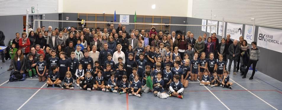 Imatge de tots els integrants de l'EIC Sport Club durant la presentació del club.