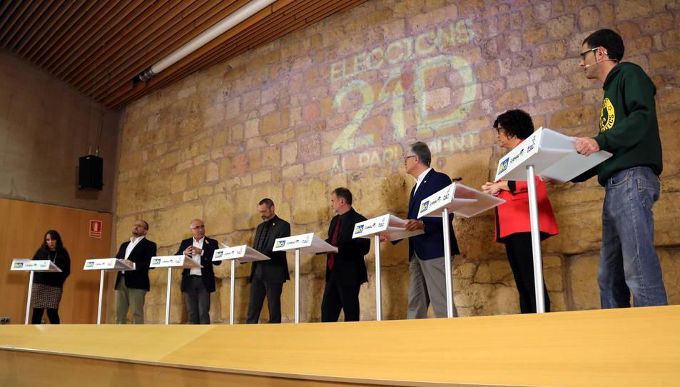 Moment del debat televisiu dels caps de llista per Tarragona, Eusebi Campdepadrós, Yolanda López, Òscar Peris, Alejandro Fernández, Matías Alonso, Rosa M. Ibarra i Xavier Milian, a l'Antiga Audiència.
