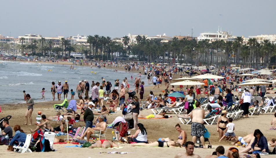 Els serveis turístics és un dels factors que van contribuir, al 2016, a la recuperació econòmica.