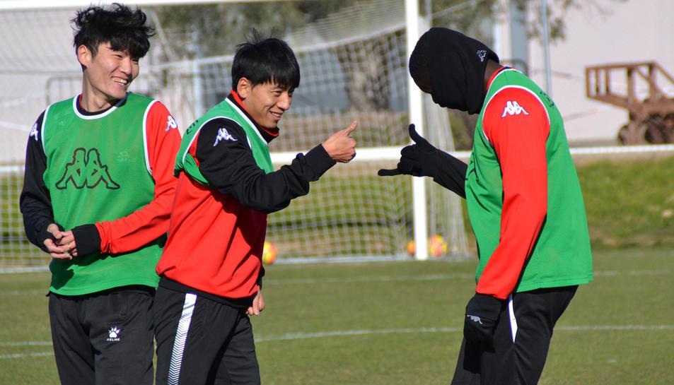 El CF Reus entrena con el BIT FC (2)