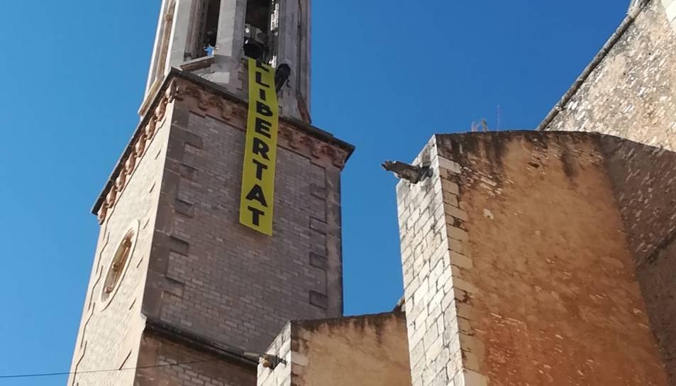 El missatge, a l'església.