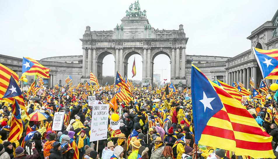 Imatge dels manifestants concentrats al parc del Cinquantenari de Brussel·les.