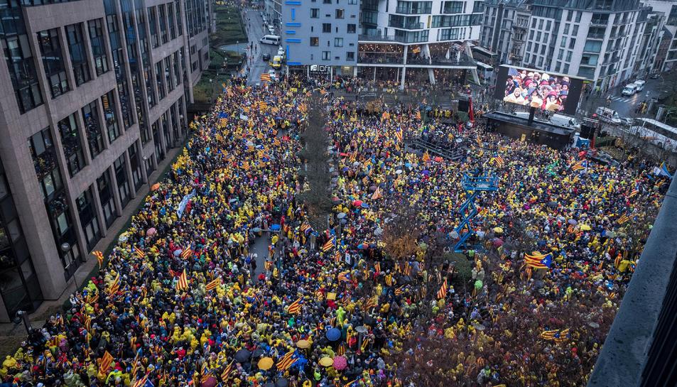 Imatge aèria d'un moment de la manifestació a Brussel·les.