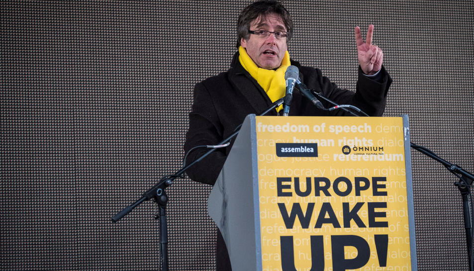 Carles Puigdemont, en una imatge d'arxiu, durant la seva intervenció a l'acte final de la manifestació de Brussel·les del passat 7 de desembre.