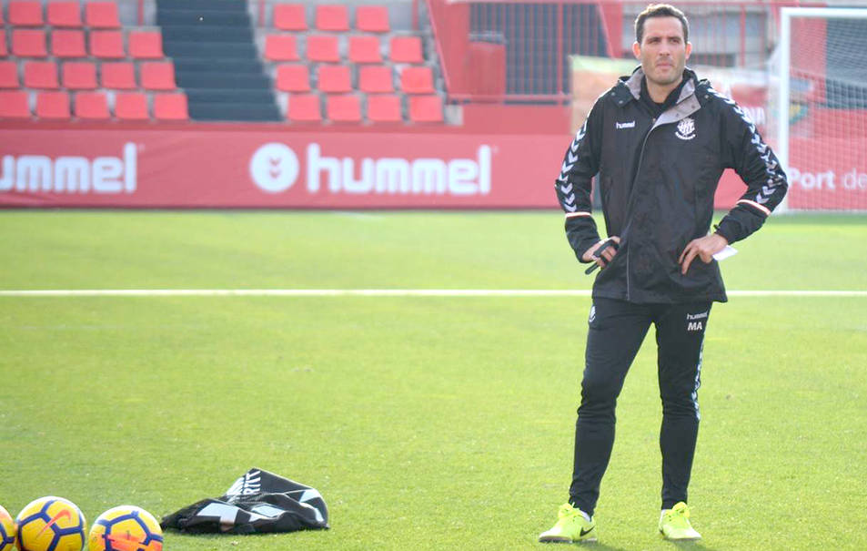 Matabosch ja ha començat a treballar amb els jugadors del primer equip del Nàstic.