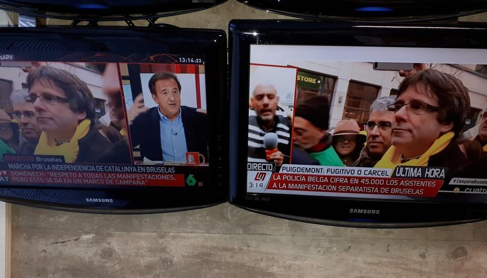 Les emissores provades han pogut fer sense problemes la cobertura informativa de la manifestació.