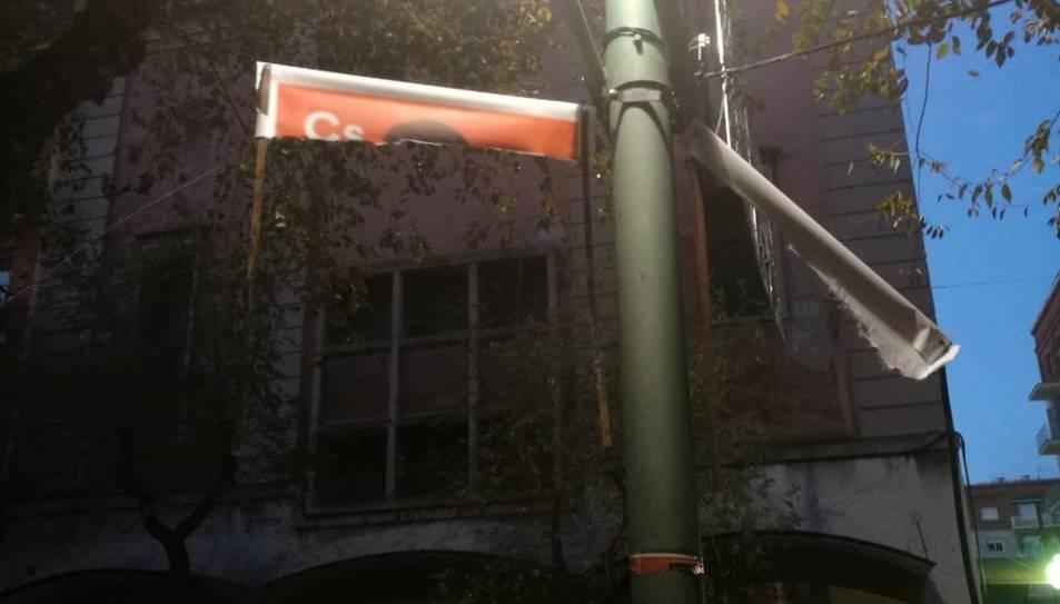 L'aspecte de les banderoles de Ciutadans.