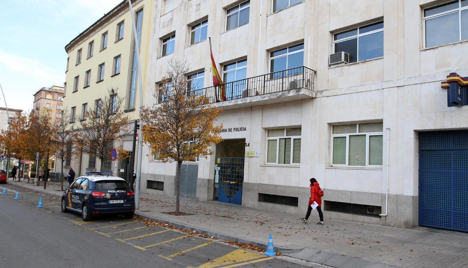 La façana de la comissaria de la Policia Nacional a Reus, localitzada al carrer General Moragues.